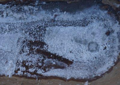 36_Sare cristalizata dupa spalarea bolovaului de sare in covata_2019